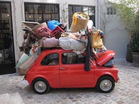Liten bil som flyttar hemifrån