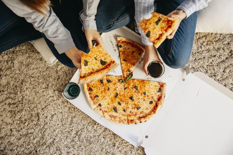 Pizza som flyttmat