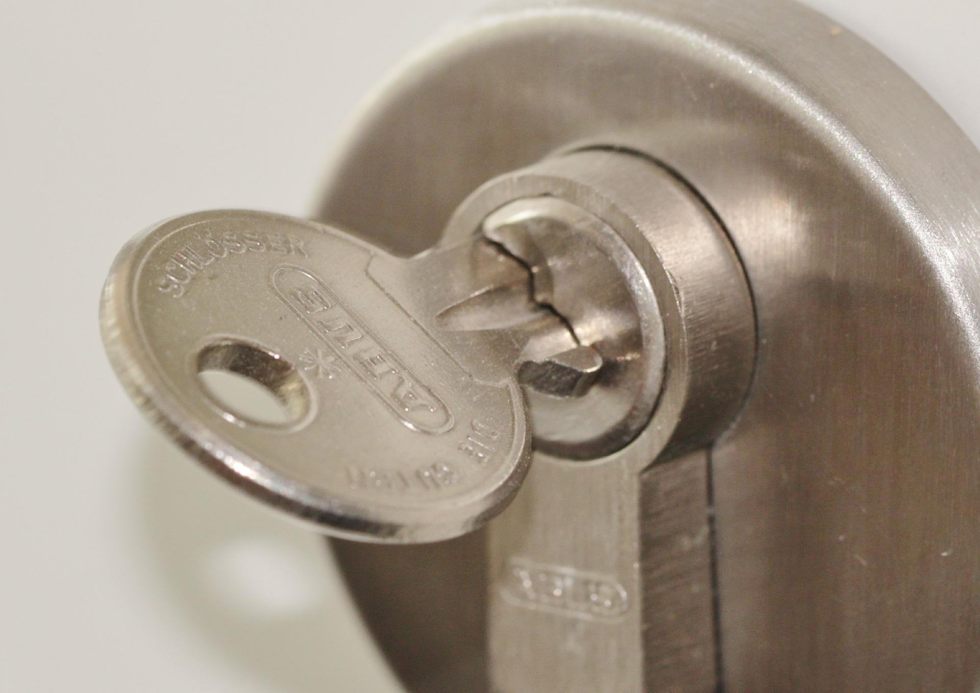 Prima Byta lås i ytterdörr själv t.ex. när du flyttar in. Vanligt eller WN-57