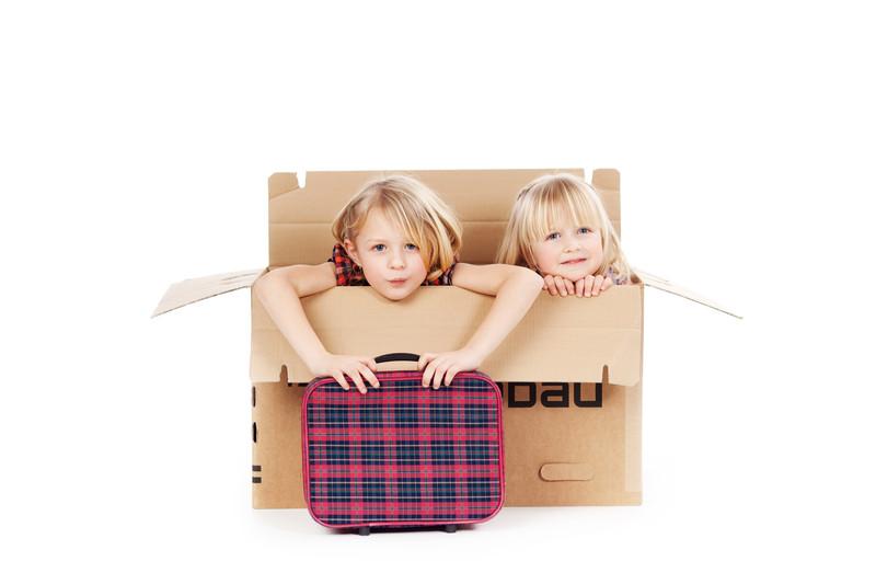 Barn i flyttkartong-Adressändring barn