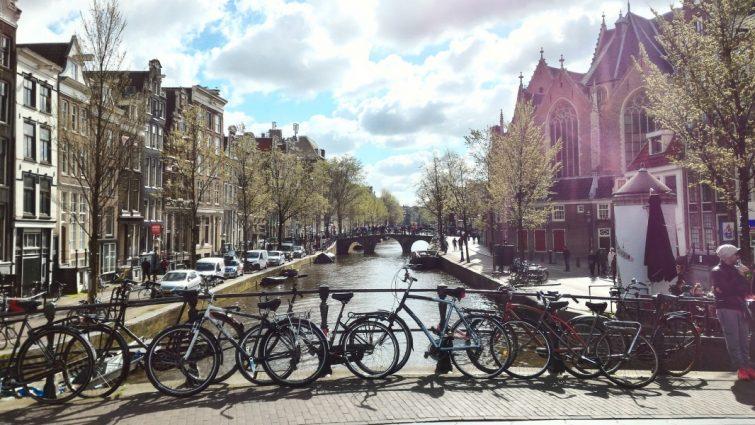 Flytta till vackra Amsterdam