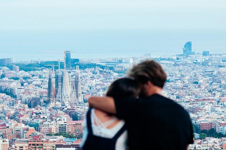 Par-i-utlandet-funderar-på-att-flytta-tillbaka-till-sverige-Barcelona